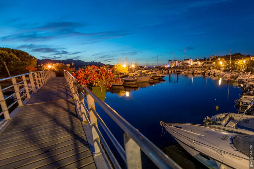 Blaue Stunde auf Korsika