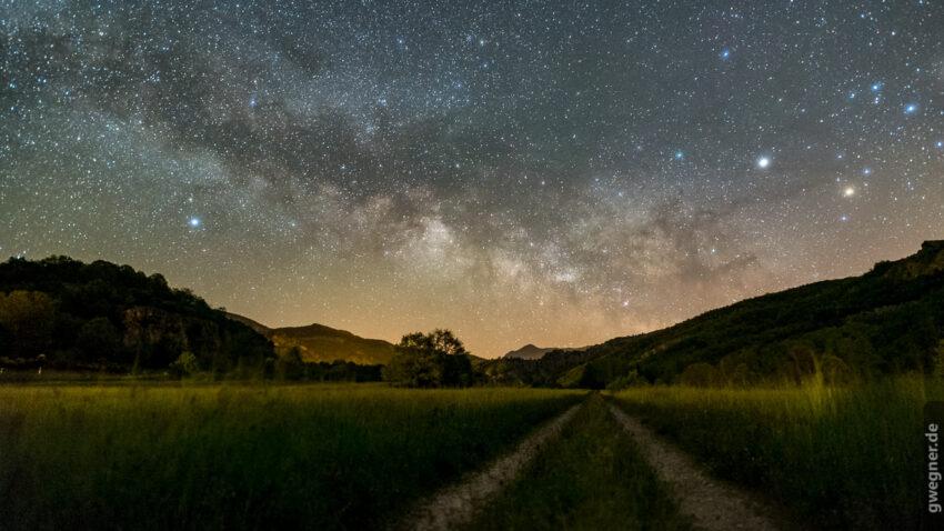 Bei der Fotografie der Milchstraße ist der richtige Vordergrund und die Einbettung in die Landschaft sehr wichtig.