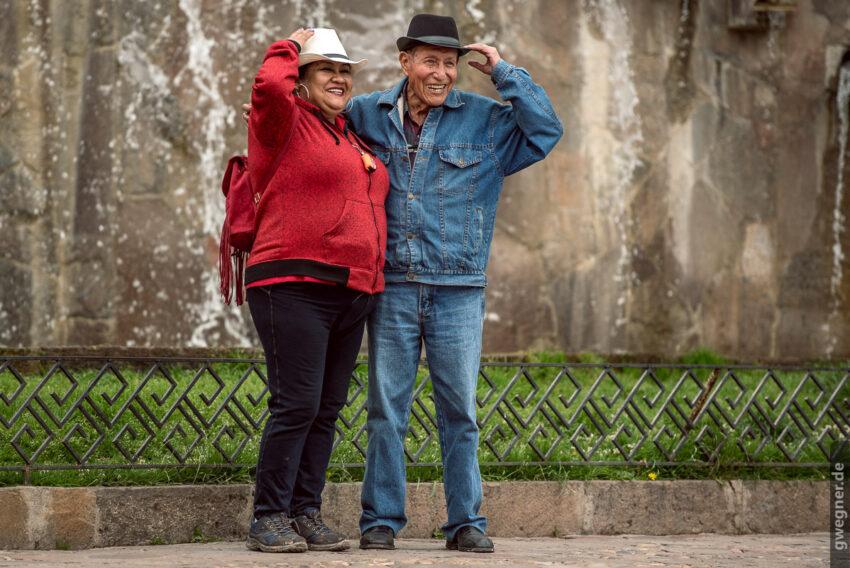 Fröhliches Paar in Cusco