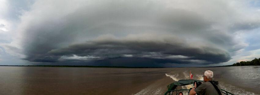 Das Gewitter kommt bedrohlich schnell näher... Foto: Christian