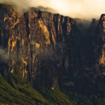 Die Wand des Roraima - wir kommen uns klein vor!